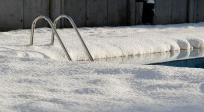 Mai svuotare la piscina interrata d'inverno