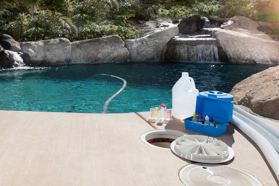 prodotti chimici per piscine interrate