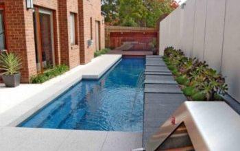 la costruzione di una piscina interrata sfrutta gli spazi che altrimenti sarebbero inutilizzati