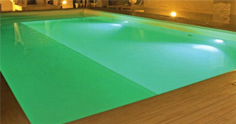 illuminazione piscina fari LED