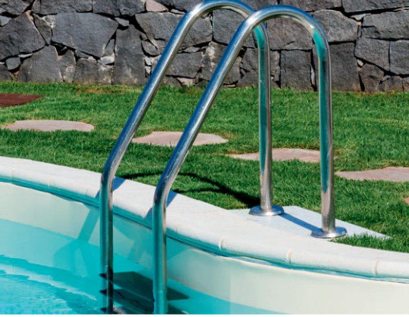 scaletta piscina