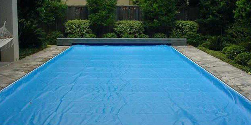 coprire la piscina