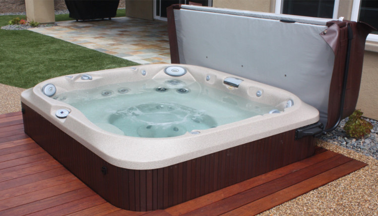 Vasche idromassaggio e minipiscine quali sono le differenze