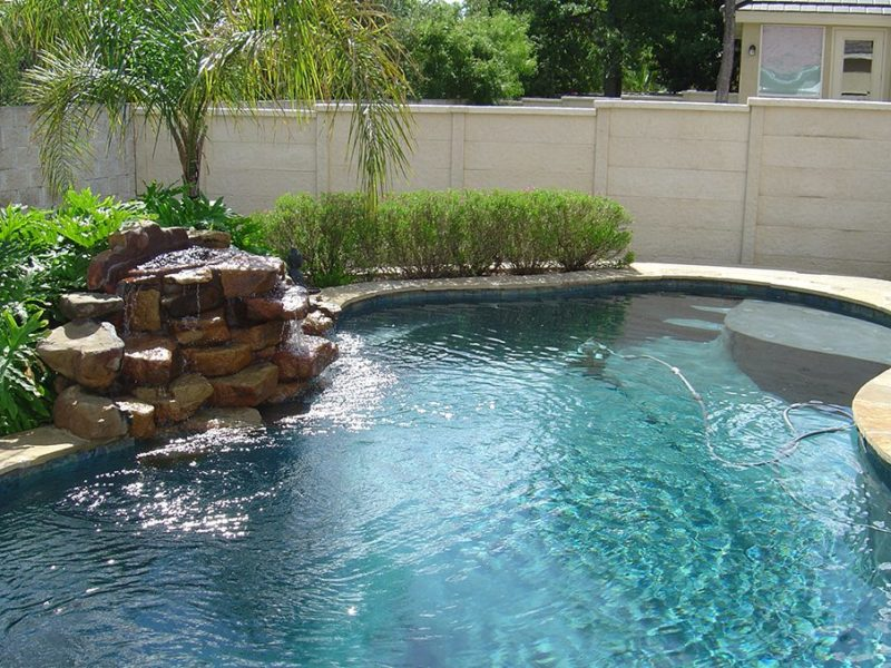 Cosa sono le piscine ad acqua salata e che vantaggi hanno green house piscine - Piscina con acqua salata ...