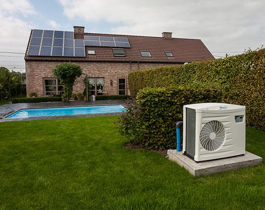 pompa di calore per piscina esterna