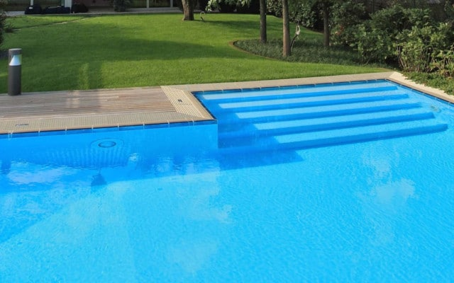 Accessori Per Piscina.Gli Accessori Da Avere In Una Piscina Interrata Green